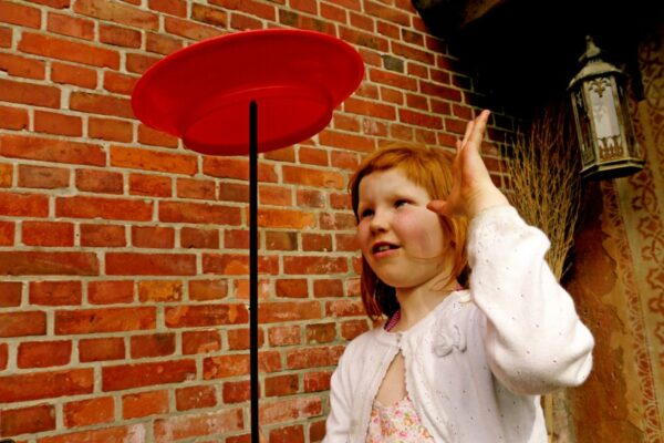 Emilia jongliert